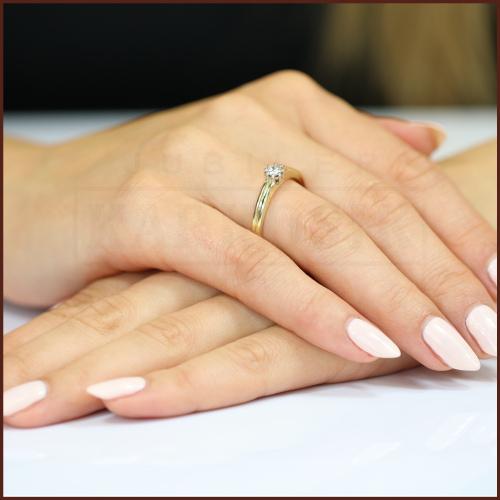 Pierścionek zaręczynowy 585 złoto z brylantem 0,16ct - 16