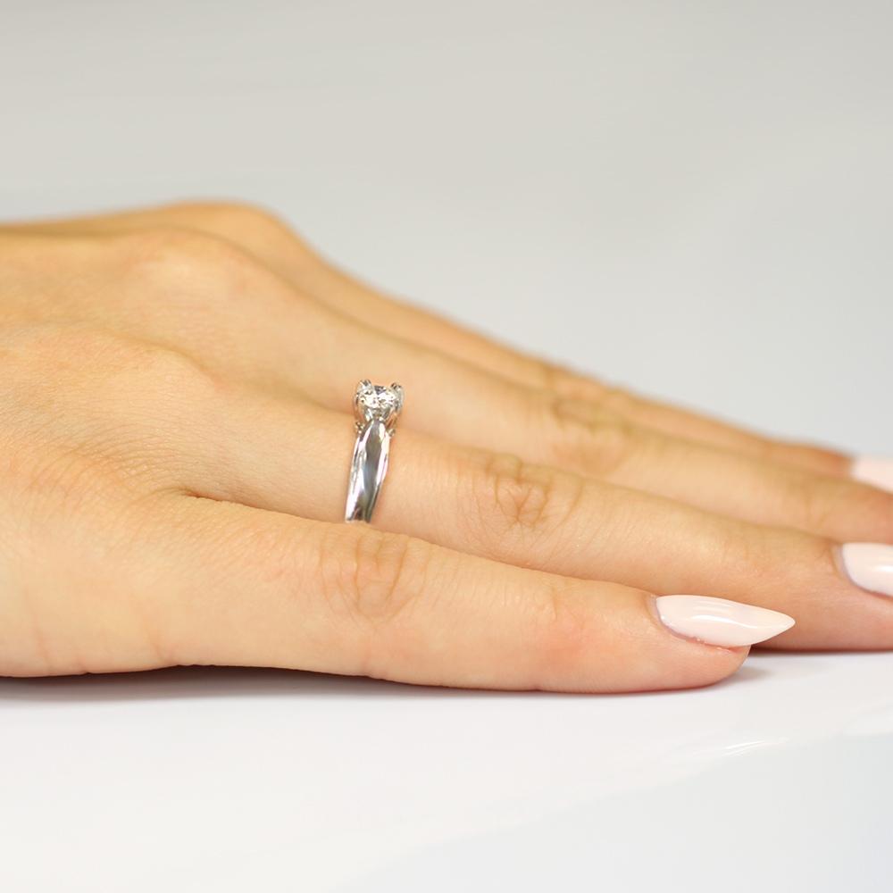Pierścionek zaręczynowy 585 złoto z brylantem 0,24ct