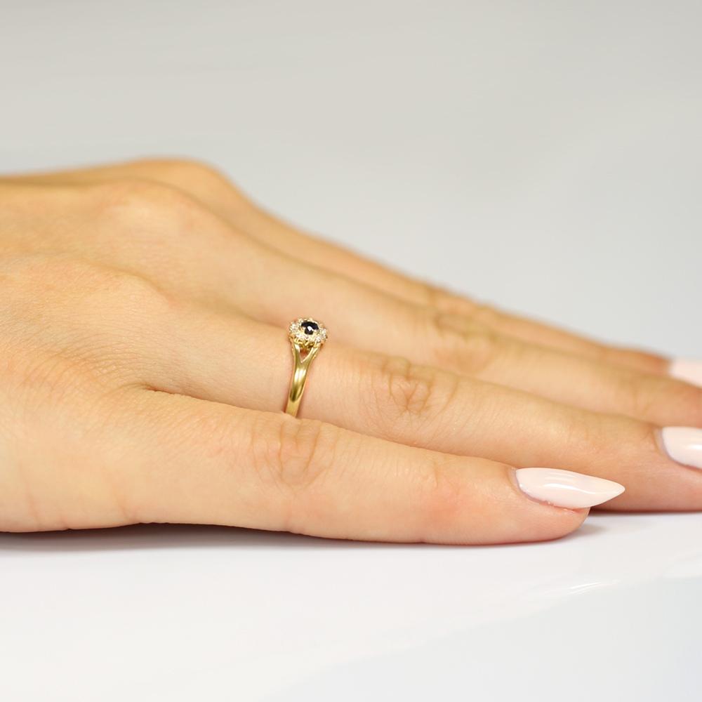 Pierścionek zaręczynowy 585 złoto z szafirem 0,15ct i brylantami