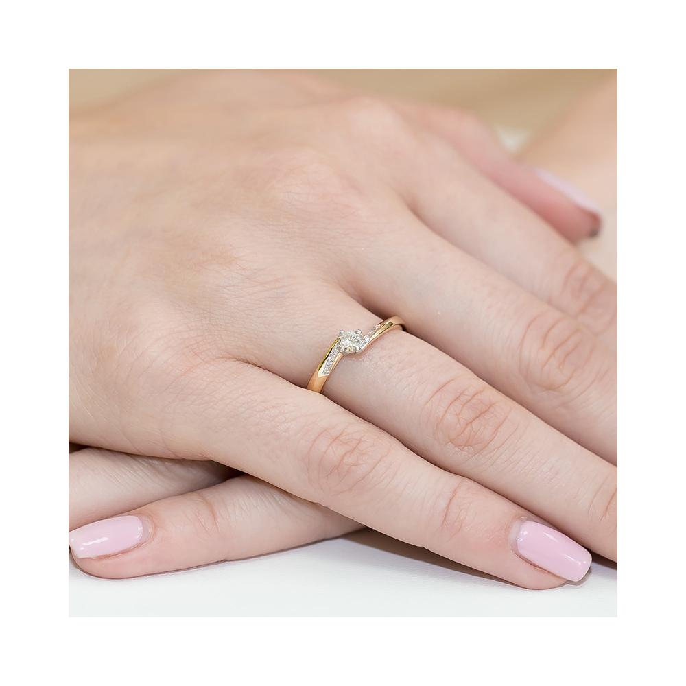 Pierścionek zaręczynowy 585 złoto z brylantami 0,19ct