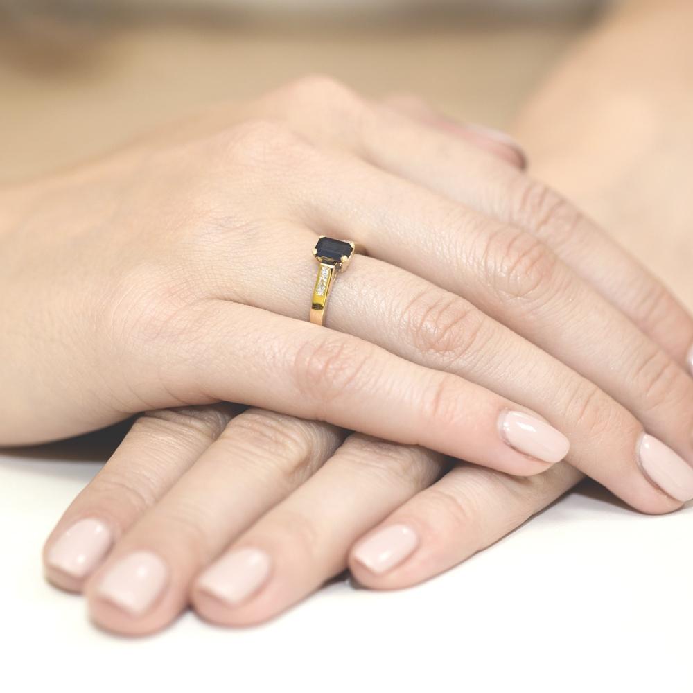 Pierścionek zaręczynowy 585 złoto z szafirem 0,60ct i brylantami